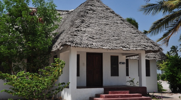 Boma House Two bedroom bungalow with Indian Ocean View